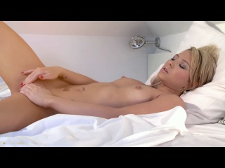 720p Full HD Penelope Her privates got wet